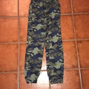Camo joggers with draw string